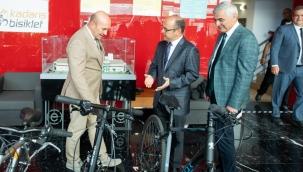 """Başkan Soyer kentlerde bisiklet kullanımıyla ilgili konuştu: """"Çığ gibi büyüyecek"""""""