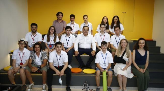 """Konak Belediye Başkanı Abdül Batur:""""Gençlere Güvenim Tam"""""""