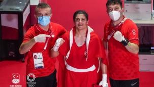 Olimpik Anneler projesinin sporcularından Busenaz Sürmeneli Altın Madalya kazandı