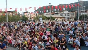 """Kemalpaşa Belediyesi """"Çocuk Festivali"""" İle Bir İlke İmza Attı"""
