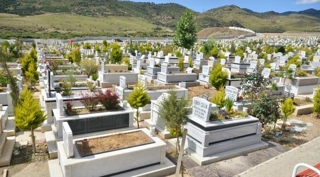 İzmir Büyükşehir Belediyesi'nden 5 yeni mezarlık alanı talebi