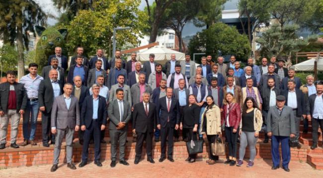 MHP'li Osmanağaoğlu Mahalle Muhtarları Toplantısının Sekizincisini Bayındır'da Gerçekleştirdi